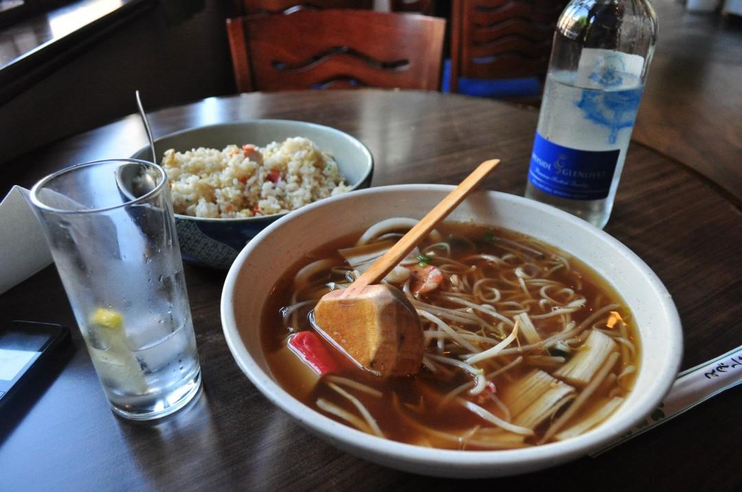 海外で出されているトンデモ日本食に絶句。ポテトサラダ寿司、ラーメン状の食べ物など
