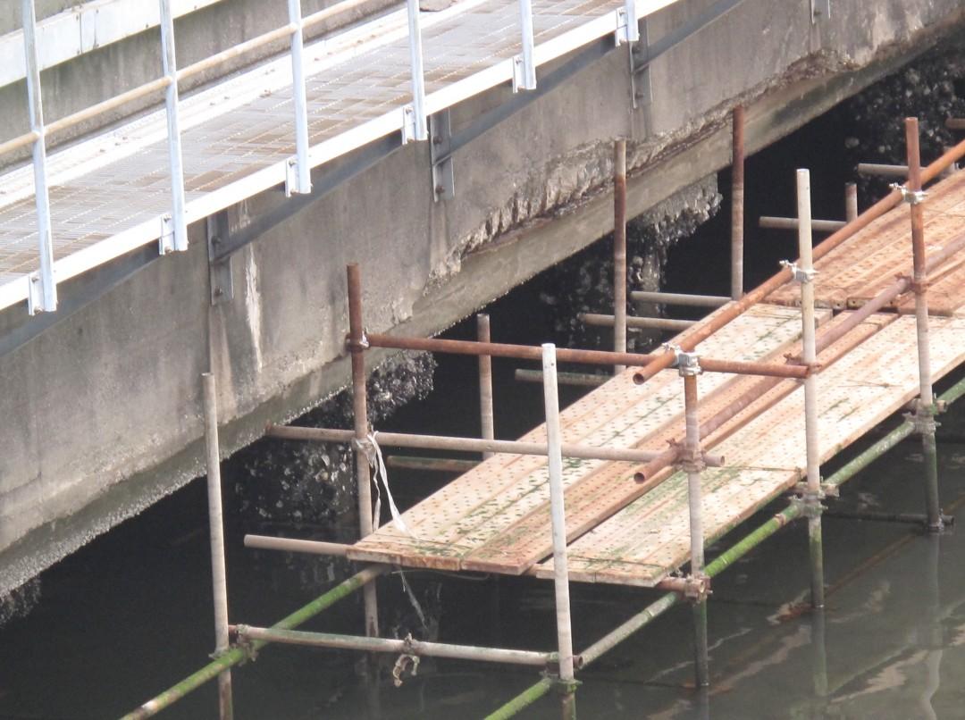 築50年の首都高、腐食でボロボロ 首都圏インフラ老朽化の危機