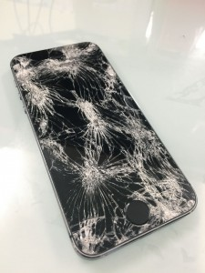 iPhoneガラス割れ