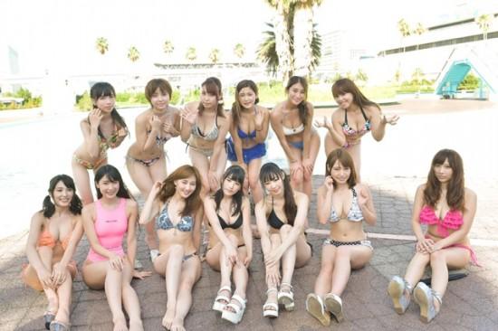 夏の思い出に水着美女を激撮! 人気グラドル&モデル24人が船の科学館プールサイドに集合