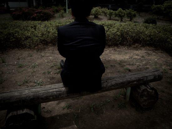 寂しい背中